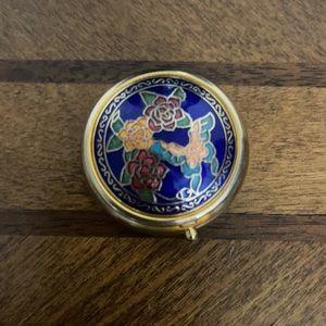 1094 Vintage Cloisonné  Travel Pill Box.